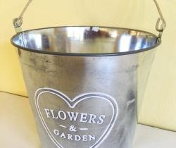 Cubo Vintage de metal para jardín Flowers & Garden rústico