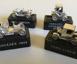 Lote 4 sacapuntas coches clásicos – colección años 70
