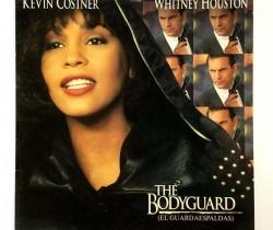 Disco de vinilo Whitney Houston – Kevin Costner – The Bodyguard (El guardaespaldas). Arista Records 1992
