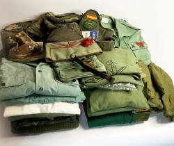 Petate de Legionario Ejército Español de Tierra con ropa y complementos. Años 90.