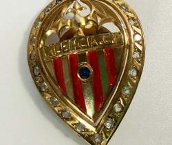 Pin de rosca escudo Valencia CF dorado años 40