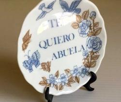 Platito decorativo de cerámica con soporte – Te quiero abuela