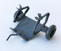 Remolque militar artesanal de hojalata – años 40