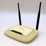 Router TP-LINK TL-WR841N 300Mbps Wireless N Router Ver. 9.2