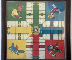 Tablero enmarcado juego del Parchís de Pinocho – Disney – Años 40