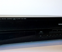 Yamaha Natural Sound Compact Disc Player CDC-655