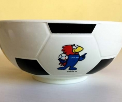 Lote 2 bols de Nesquik France'98 forma balón
