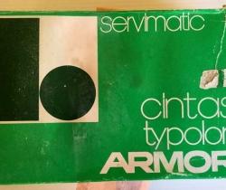 Caja con 11 cintas para máquina de escribir Typolon – ARMOR – Servimatic