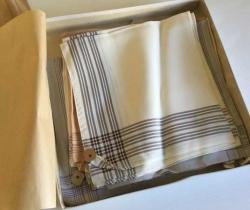Caja 16 pañuelos de seda para caballero – años 70