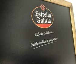 Pizarra de bar Estrella Galicia 85x66cm