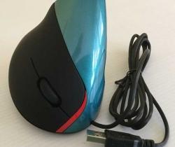 Ratón vertical 5D con cable USB 2400 DPI – Negro y azul