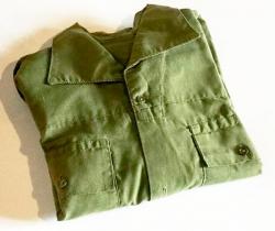 Ropa Servicio Militar español año 1980 – camisa con puños uniforme soldado
