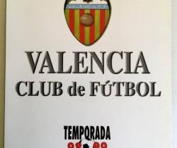 Carpeta Valencia C.F. Temporada 98/99 con 24 Láminas del equipo publicado por El Mundo
